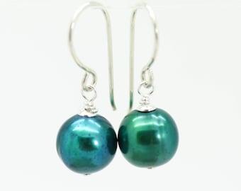 Pearl earrings, Silver pearl earrings, green pearl earrings, Silver drop earrings, silver earrings, pearl dangle earrings, christmas gift