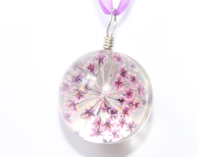 50 cm necklace with a purple flower in a glass sphere and purple organza ribbon