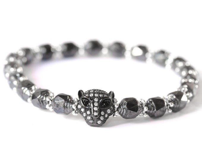 Bracelet with a gunmetal panther head with zirconium, and gunmetal glass beads