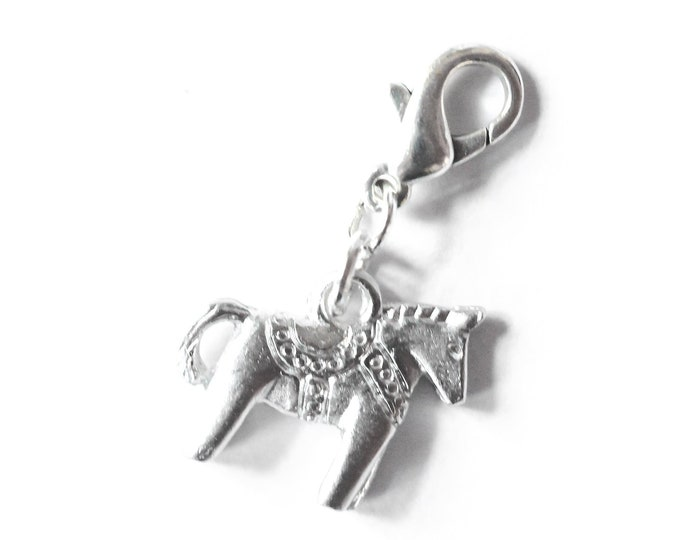 Charm with a silver plated Dala horse
