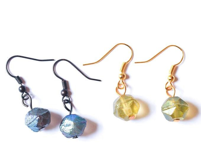Earrings with baroque glass beads, looking like meteorites !