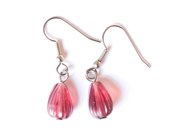 Earrings with drop shaped glass beads, dark pink / burgundy