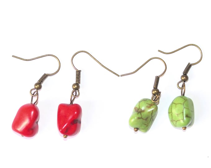 Earrings with irregular beads, red or green