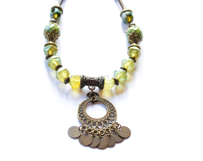 Amazing necklace with green baroque beads and bronze elements