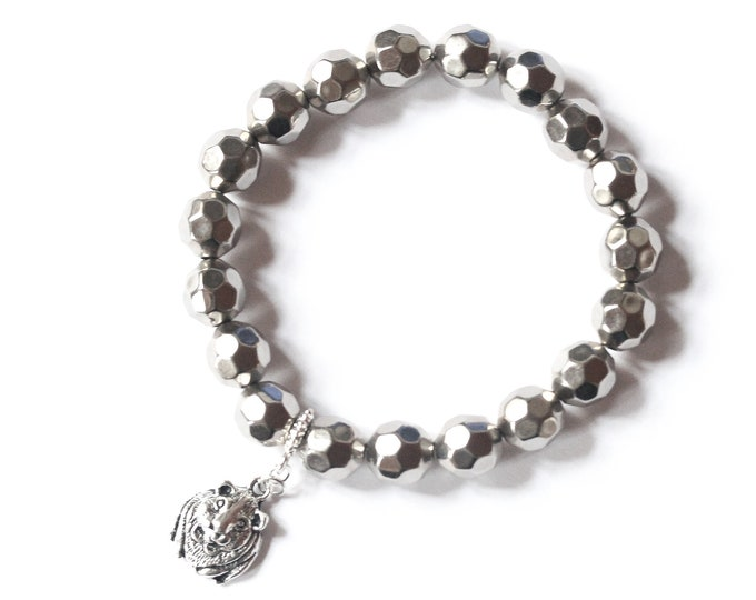 Silver beaded bracelet with a silver guinea pig charm