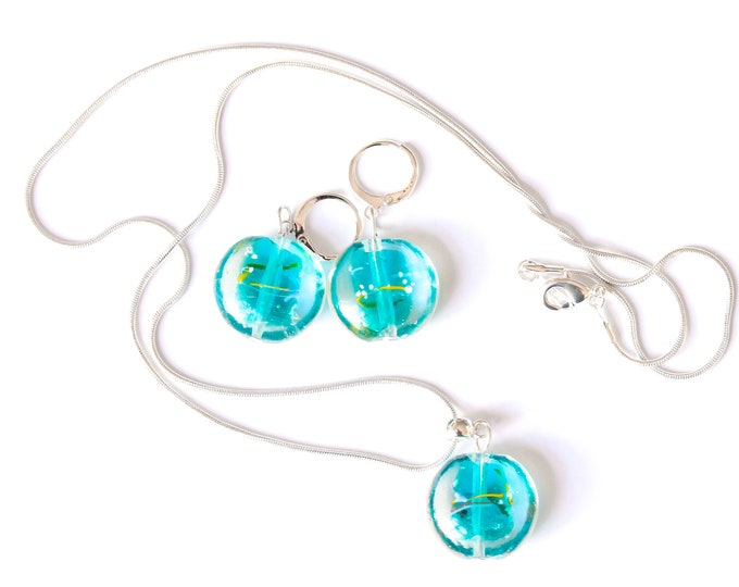Jewelry set (60 cm silver plated necklace + earrings) with Murano glass beads, blue