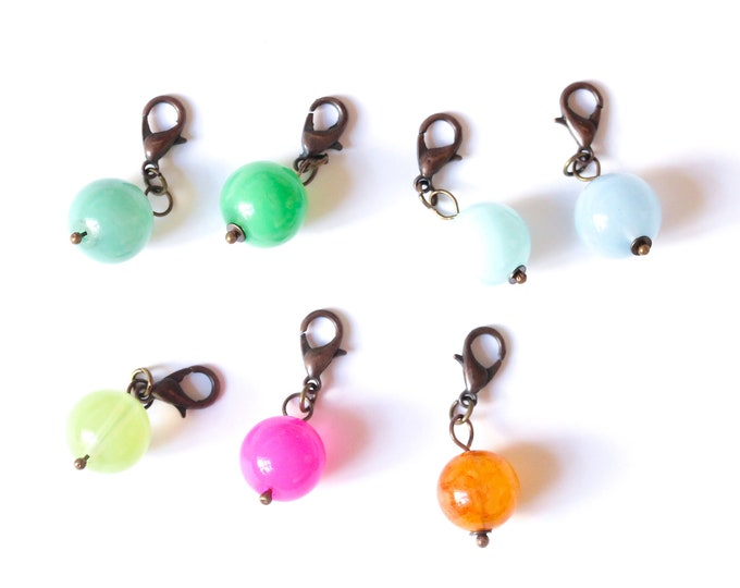 Charm / pet collar charm / pendant, with beautiful round glass bead, 7 colours available
