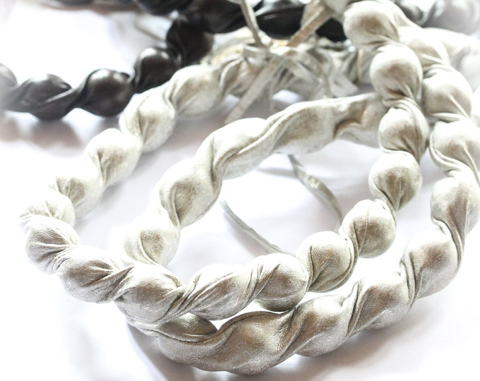 Vintage Premium long beaded necklace, made of genuine leather