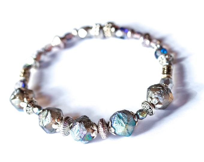Amazing bracelet with premium baroque beads, blue and silver