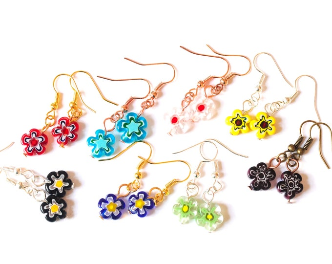 Earrings with cute 8 mm flower shaped millefiori beads. Many colours available !