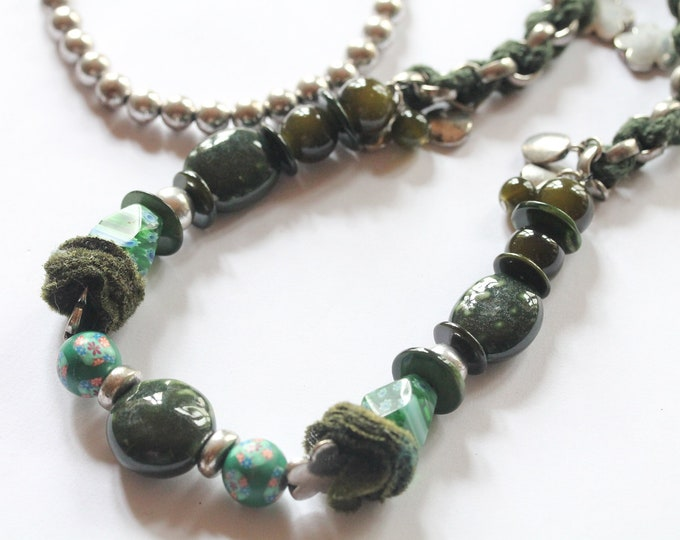 Vintage long beaded necklace, green, with beads from various material