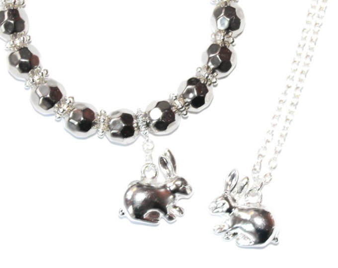 Silver jewelry set with bracelet and pendant, with rabbit charms