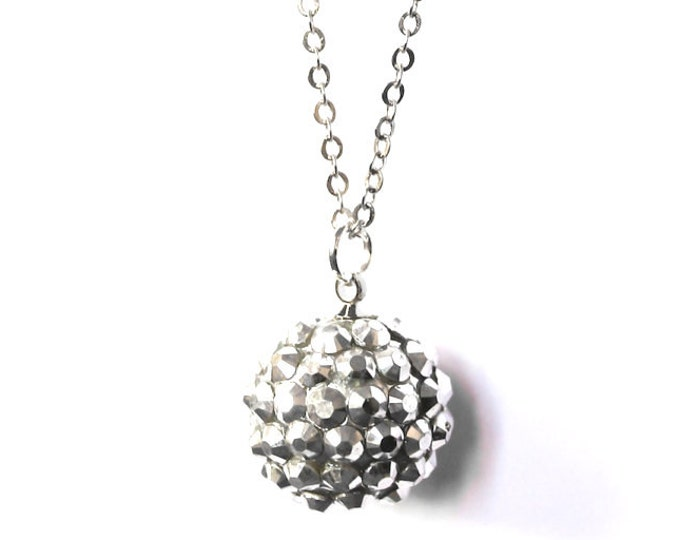 90 cm necklace/pendant with a thin silver chain and a 14 mm silver shamballa bead