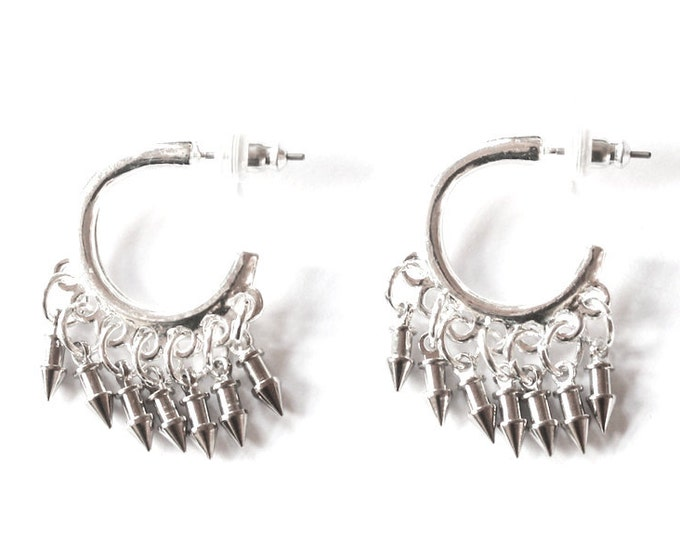 Very original hoop earrings, with 7 little arrows