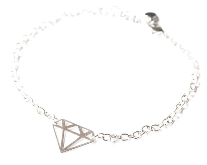 Bracelet with silver plated chain and a 925 sterling silver diamond-shaped charm