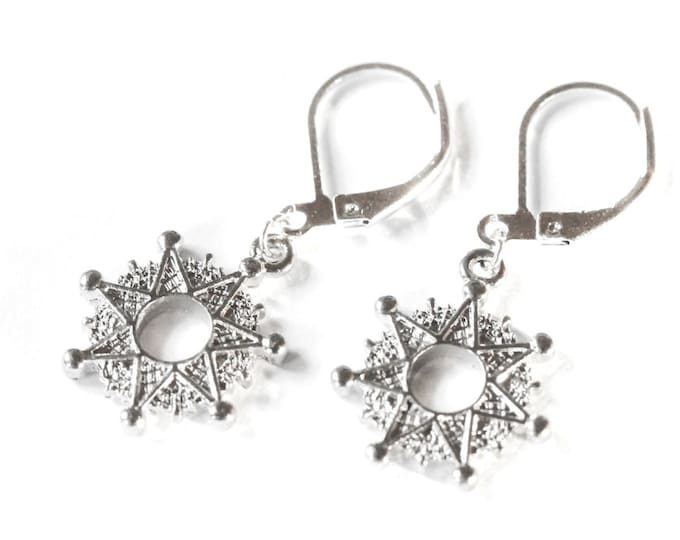 Silver leverback earrings with 1,5 cm silver star