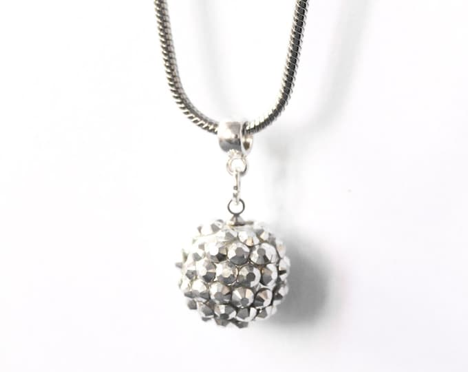50 cm necklace/pendant with a silver snake chain and a 14 mm silver shamballa bead