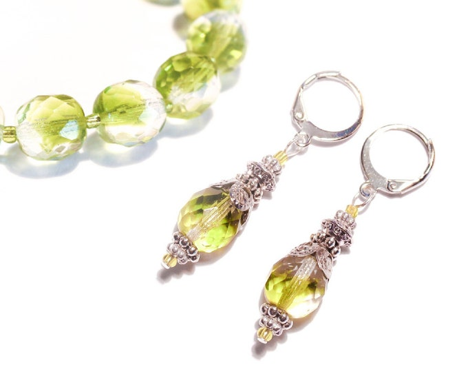 Set bracelet + earrings with large faceted green glass beads