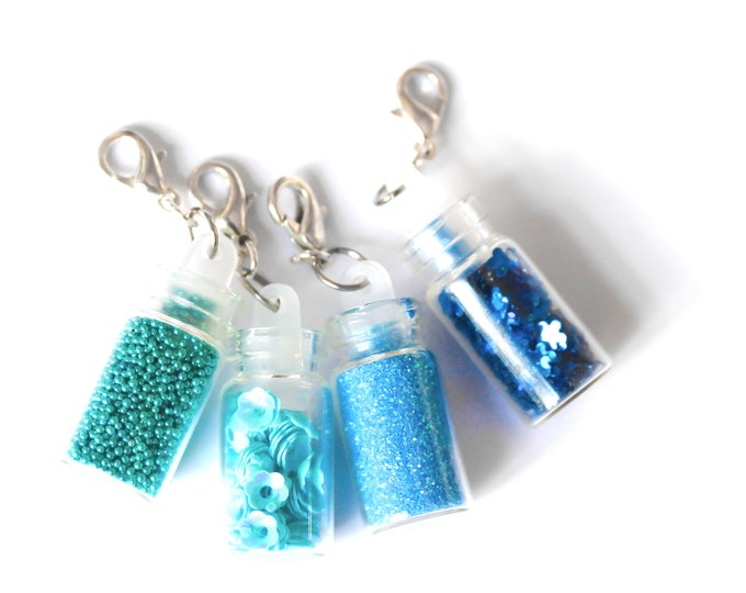 Charm / pet collar charm / pendant, with colourful glass vials full of glitters (18 colours !)