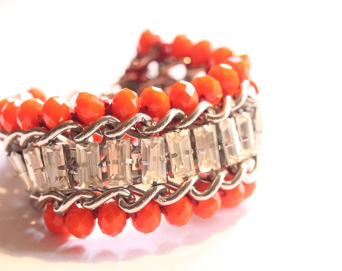 Gorgeous bracelet, with silver chain, cabochons and bright orange beads