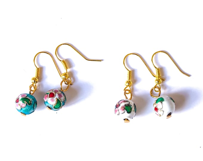 Earrings with Chinese metal beads (blue or white) and golden hooks
