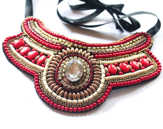 Vintage plastron statement necklace (bib necklace), red and gold, with beads and cabochons