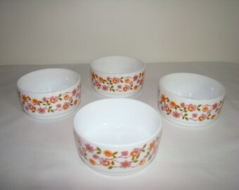 4 French Arcopal Scania bowls, dishes, milk glass, pyrex, cereal, soup, fruit, salad, pudding, orange, pink, white, vintage, 1960,