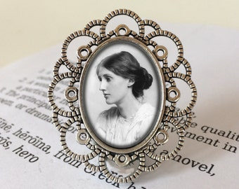 Virginia Woolf Brooch - Literary Jewelry, Bibliophile Brooch, Gift For Reader, Book Lover, Feminist Brooch, Virginia Woolf Vintage Jewellery