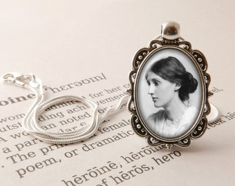 Virginia Woolf Pendant Necklace - Mrs Dalloway Vintage Literary Gift, Feminist Necklace, Gift For Feminist, Virginia Woolf Literary Jewelry