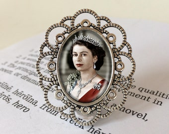 Queen Elizabeth II Brooch - Queen of England Gift, The Queen Pin, Gift for Royalist, Royal Family Brooch, Vintage Elizabeth II Brooch
