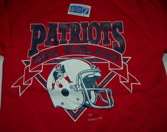 Vintage New England Patriots NFL football sweatshirt by LOGO7 made in the  USA New with sticker officially licensed product 7012f085cc92