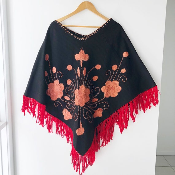 Embroidered Flower Poncho with Fringing / Mexican… - image 6