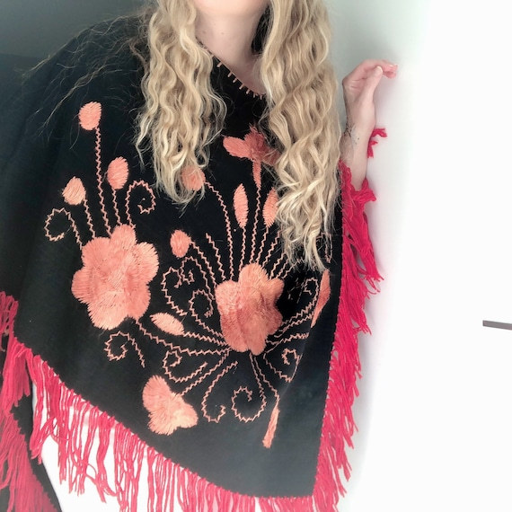 Embroidered Flower Poncho with Fringing / Mexican… - image 5