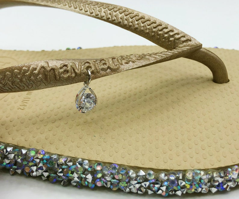 Hand Made White Havaianas Flip Flops With Silver Rhinestone /& Teardrop Charm Limited Edition- US Size 6W