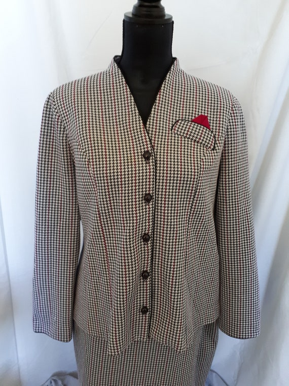D'Allaird's of Canada suit blazer and skirt hounds