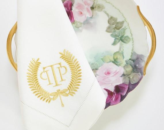 DRAGONFLY WREATH, Monogrammed Cloth Napkins, Monogrammed Linen Dinner Napkins, wedding or hostess gift, monogrammed cotton or linen napkins
