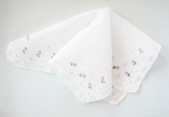 VINTAGE LACE Cotton Handkerchief