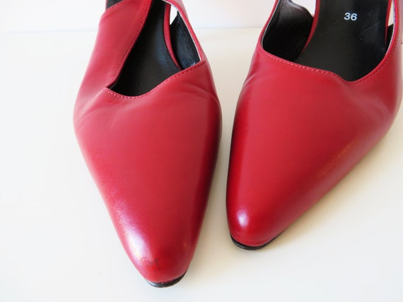 8823d6f2a9f US 5.5 Red Leather Stiletto Women Slingback Summer Shoes Vintage 80s Kitten  Heel Pumps Real Leather Shoes Gift for Her EUR 36 UK 3.5