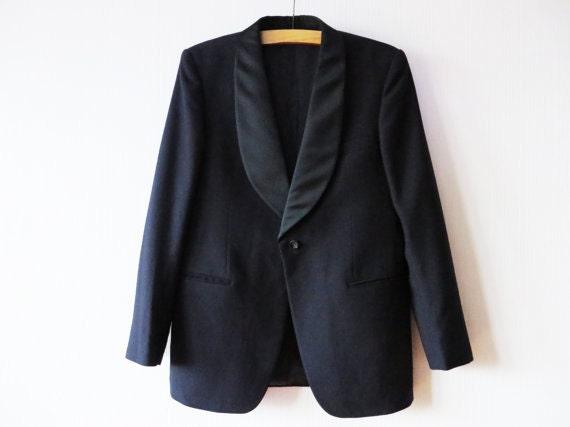 Lana negra de los hombres de smoking negro chaqueta satén mantón solapa smoking solo botón gótica victoriana Dickens boda novio de tamaño medio a