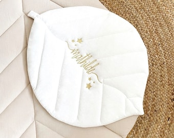 Embroidered quilted sheet in washed cotton, bloom collection.