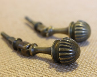 Vintage drawer pull/knockers
