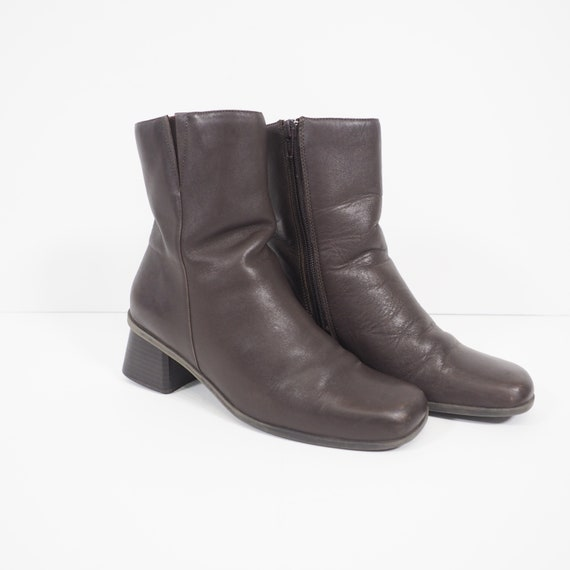 90s Vintage Brown Leather Boots | Chunky Heel Boot
