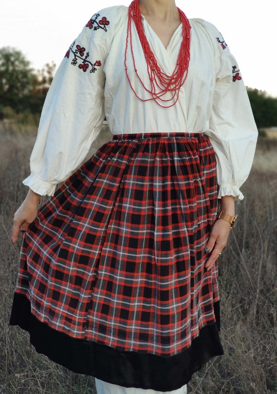 Vintage wool skirt 1920s, Ukrainian traditional co