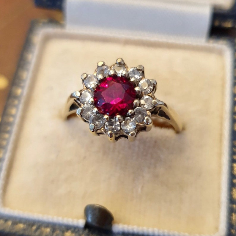 Red Gemstone Ring Old Gold Ring Gift for Her Vintage Gold Ring UK size O 12 or US size 7 12