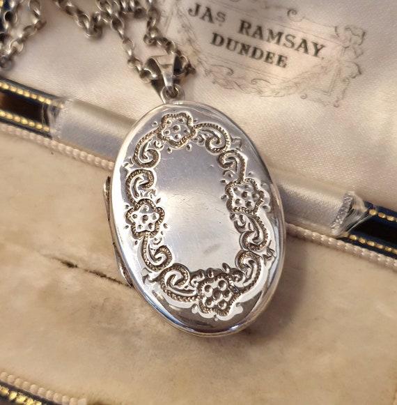 Vintage Locket, Silver Locket, Engraved Locket, St