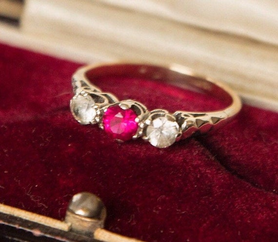 Vintage 9ct Gold Ring, Art Deco Ring, Ruby Paste R