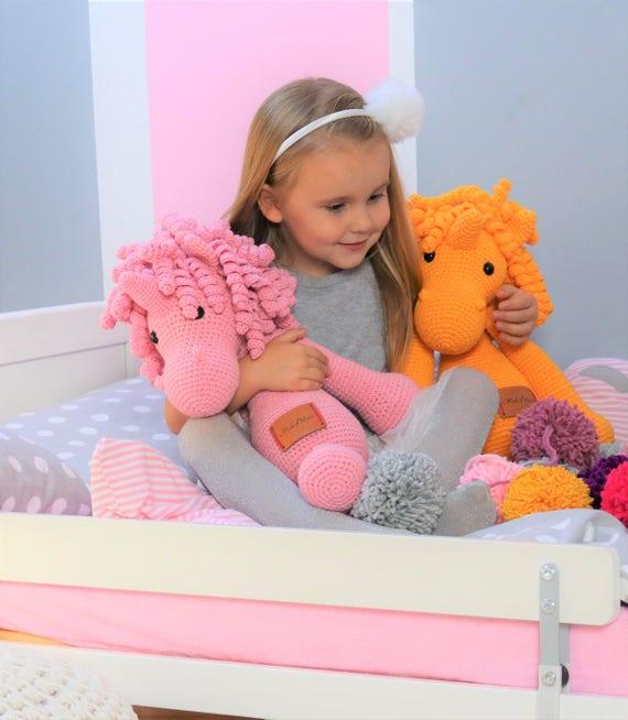 gro e xl geh kelt rosa einhorn pl sch einhorn amigurumi etsy. Black Bedroom Furniture Sets. Home Design Ideas