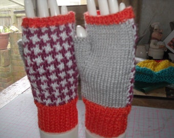 Ladies fingerless mitts