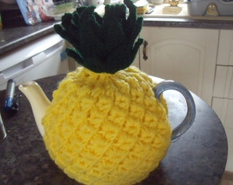 Pineapple tea cosy to fit a 6 cup teapot