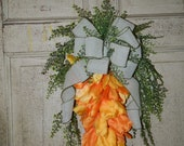 Carrot Tulip Swag-Carrot Wreath-Easter Carrot Wreath-Tulip Carrot Door Hanger-Easter Tulip Swag-Spring Carrot-Easter Wreath-Carrot Decor